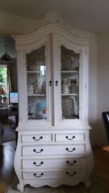 Chateau Display Unit On Bombe Chest