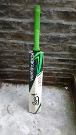 Kookabura Kahuna 150 Hand Crafted Professional Cricket Bat