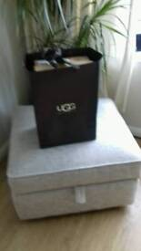 Genuine mens ugg boots size 9 never worn