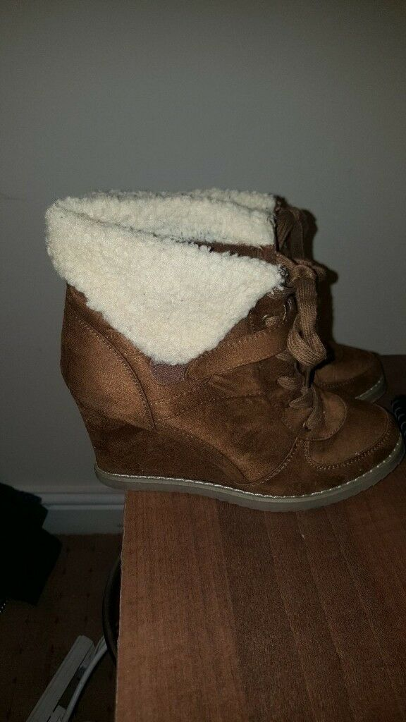 Ladies New Look size 6 wedge boots