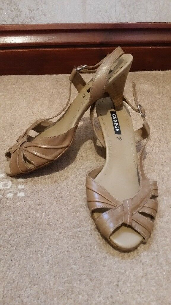 BEIGE ASDA GEORGE SANDALS