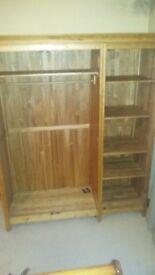 Solid Oak Wardrobe in top condition