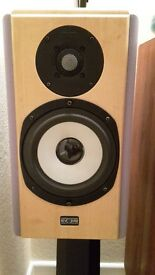 PAIR OF MINT CONDITION HIGH END REVOLVER SPEAKERS