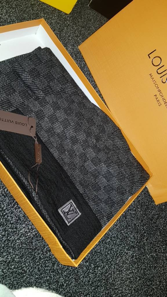 db443e593c1 Louis vuitton hat and scarf set