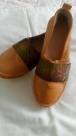 Lovely soft leather summer shoes size 7