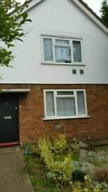 2 bedroom flat in Hounslow Central - 3 way swap