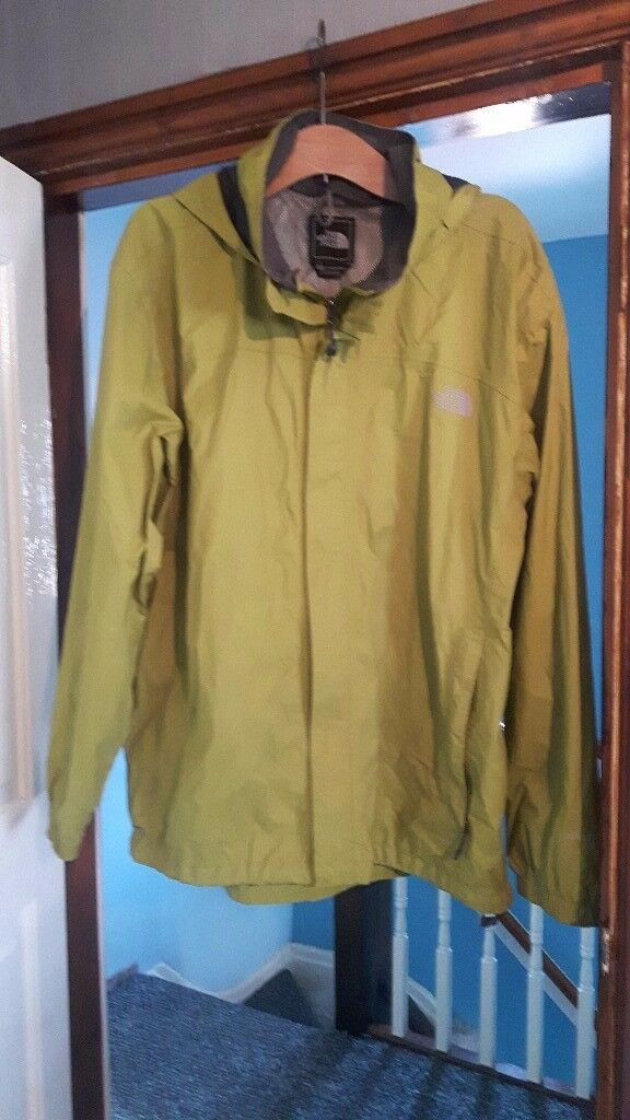 Unisex Northface Waterproof Jacket Size XL Light Green
