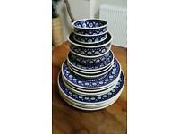 Boleslawiec Handmade Pottery Dinner Service 16 pieces plates bowls NEW XMAS