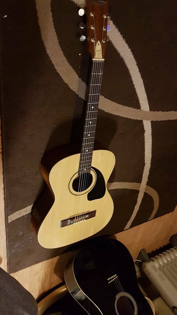 Givson g 150 Spanish guitar
