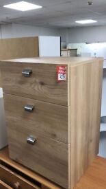 3 drwr bedside - oak ex display