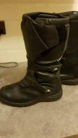 Adventure boots size 10 ( 44)