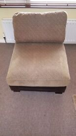L shaped sofa in very good condition it can go any shape £300or nearest offer