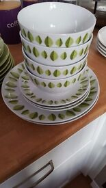Dining set white green leafs