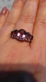 Five amethyst stone ring in silver, size P