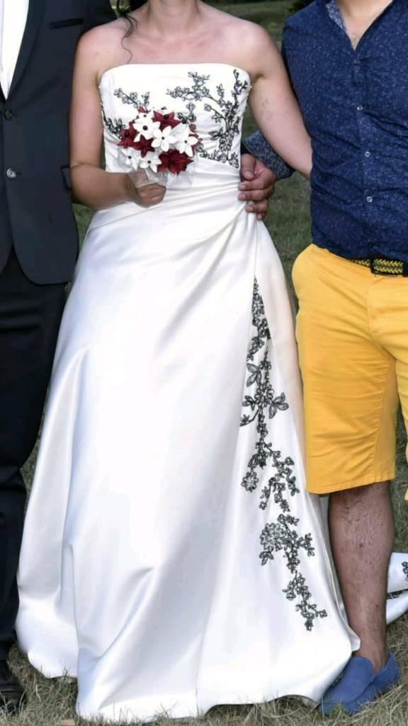 c4c0a62d6b54c Ivory Rosetta Nicolini Wedding dress
