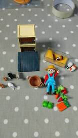 Playmobil rabbit hutch and guinea pigs