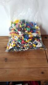 Bundle of lego, megabloks and coin etc