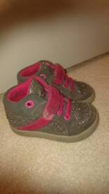 Clarks Girls Sparkly Boot/Trainers Size 4G Collection Only