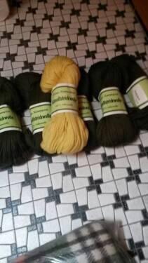 Set 600g Wolle 100% Schurwolle grün gelb Strickwolle in Dortmund