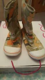 Sugar boots floral size 6
