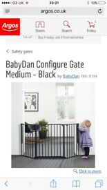 Baby/pet gate 4 months old