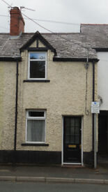 Small 2 bed unfurnished terraced house to let in Ruthin.