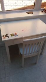 Children's white desk and chair