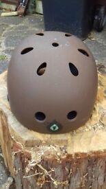 Six six one cycle helmet
