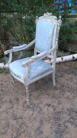 ORNATE VINTAGE FRENCH STYLE CHAIR - SALON / BOUDOIR / BEDROOM / SHABBY CHIC / HOME DECOR