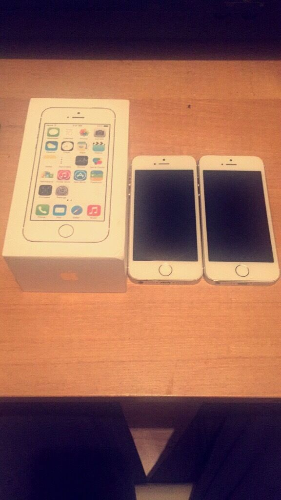 2 iPhone 5s one of them white/gold and the other one white/gold