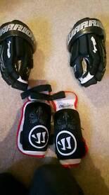 Junior Ice Hockey Gloves & elbow pads