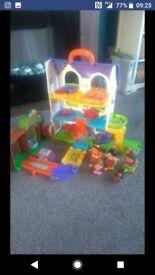 Toot toot play house