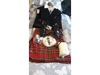 ROYAL STEWART KILT OUTFIT FULL RIGOUT SIZE 38 AJUSTABLE TO 42 INCHES, WORN ONCE FOR WEDDING.