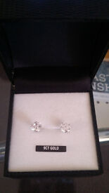 White gold earring ct 9 NEW