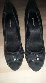 Brand new size 7 black heels