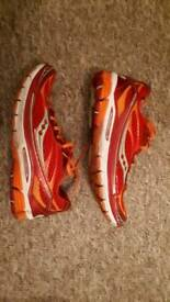 Saucony Munchin 2 ladies running trainers