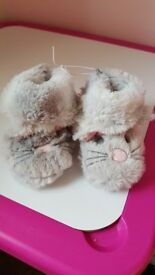 Girls slippers toddler size 4