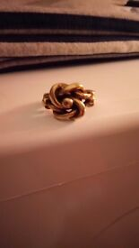 9crt gold men's lovers knot ring