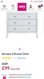 Baroque white chest of drawers