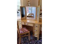 Dressing table, mirror and chair in solid White Pine