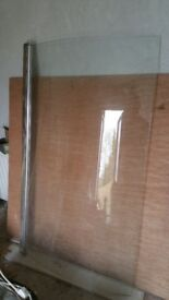 Shower door for P shape bath