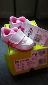 Baby girls adidas trainers size 0 bnwt
