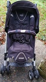 Pushchair in good condition with 2 extra car seats