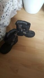 Snow boots size 12 junior