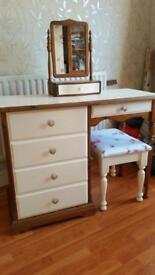 Shabby dressing table set