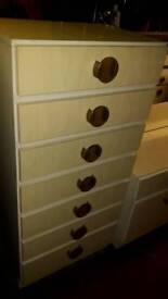 Retro Bedroom Set in Ivory