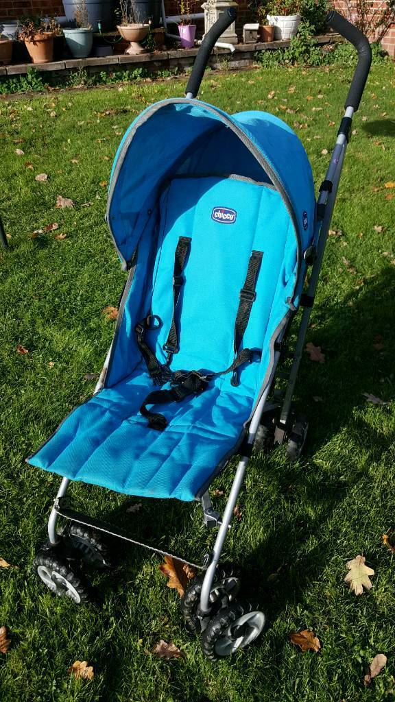 Chicco London Stroller with Cosy Toes.