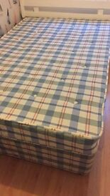Divan Bed 3/4 with two under drawers smoke and pet free home