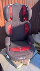 GRACO UNIVERSAL CHILDS CAR SEAT