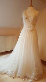Wedding dress, chiffon silk, size 10